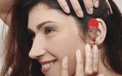 Comment bien choisir son bijou pour appareil auditif